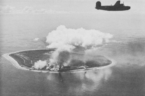 Nauru_Island_under_attack_by_Liberator_bombers_of_the_Seventh_Air_Force.27ffe78819a5835f.jpg