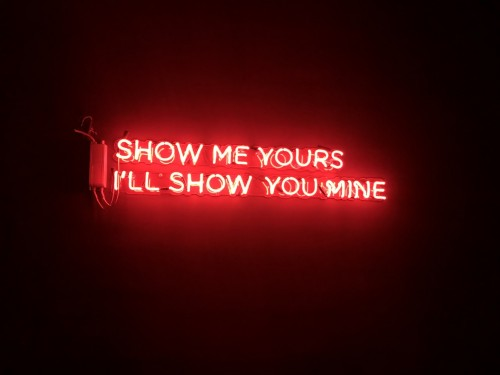 Neon-Show-Me-Yours90537181697e8f74.jpg